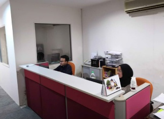AGC-Sept-case-study-women-desk