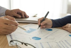 Partner with factors to reduce contract risk
